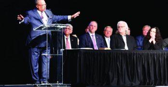 Luter tells governor,  legislators, 'Take it  to God in prayer'