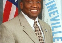 Pineville Mayor Clarence Fields to keynote LC's spring commencement