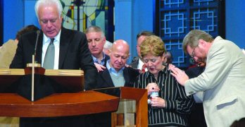 Louisiana Baptists surround Jenkins with prayers days before his retirement